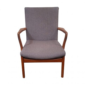 contemporary style 1960s arm chair.
